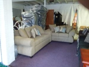 New sofa and loveseat for Sale in Greenville, MS