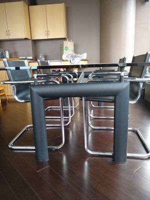 Le Corbusier L6 dining table for Sale in Chicago, IL