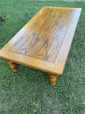 Lift top convertible Oak coffee table. 54in x 28in. for Sale in Hemet, CA