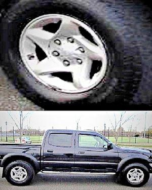 ֆ14OO 4WD Toyota Tacoma 4WD for Sale in Bloomfield, NJ