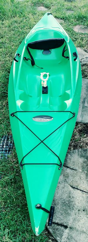 10 ft Spirit 120 kayak with paddle for Sale in Fort Lauderdale, FL