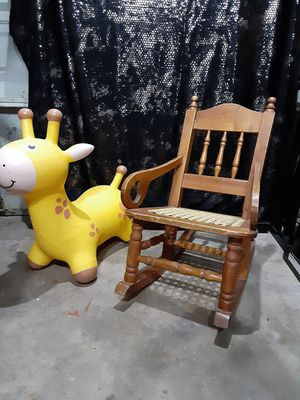 1970's kid rocking chair for Sale in Pasadena, TX