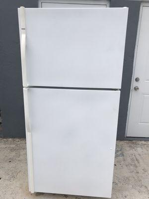 Refrigerator for Sale in West Palm Beach, FL