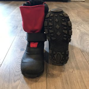 Kids Snow Boots Size 1 for Sale in Bend, OR
