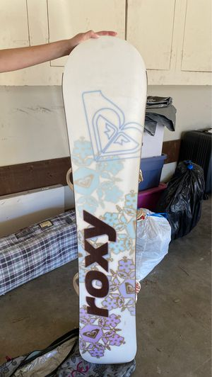 Roxy board, burton clips and avalanche shoes size 9 board bag! for Sale in San Diego, CA