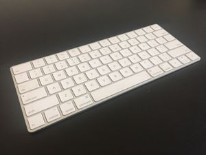 Apple Magic Keyboard (Silver) for Sale in Lake Forest, CA
