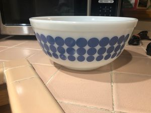 Vintage Pyrex bowl for Sale in La Habra Heights, CA