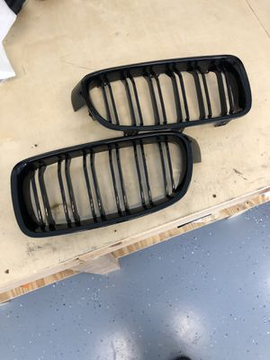 Gloss black f30/f32 BMW grilles for Sale in Franklin, TN