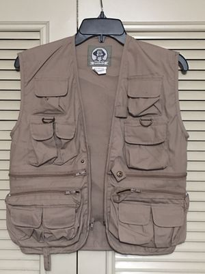 🎣UNCLE MILTY fishing vest outdoor gear size medium 🎣 for Sale in Alameda, CA