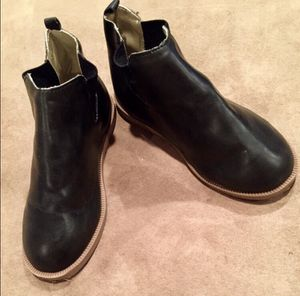 Girl Size 10 Black Old Navy Ankle Boots/Booties/Low Top Boots for Sale in Bountiful, UT