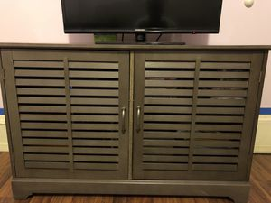 """Tv stand, 42"""" Samsung tv, mini bar, sofa and a computer desk ALL MUST GO!!!!!! for Sale in Brooklyn, NY"""