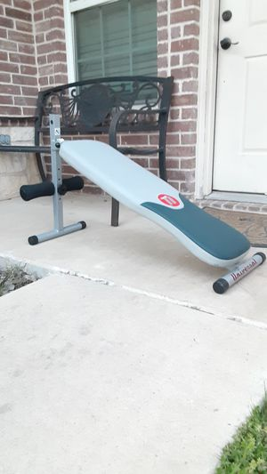 Universal ab bench for Sale in Saginaw, TX