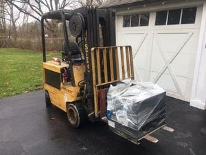 Hyster 36v forklift e50xl triple mast with charger for Sale in New Lenox, IL