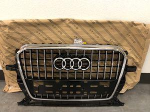 2014 Audi Q5 Premium Plus OEM Grille for Sale in Portland, OR