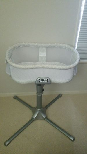 Halo bassinet for Sale in San Leandro, CA