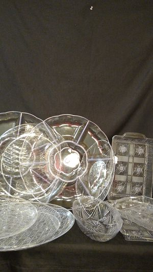 Plastic Party Platters Serving Trays 11 Pieces for Sale in Tacoma, WA
