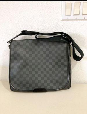 Louis Vuitton district damien graphite mm black messenger bag for Sale in South El Monte, CA