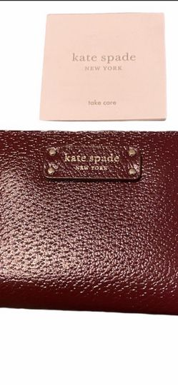 Kate spade Small wallet New for Sale in Warren,  OR
