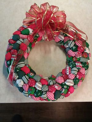 """Hand Made 18"""" Puff Wreath for Sale in Parkesburg, PA"""