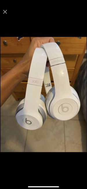 Beats solos as is wireless and wired works read profile for Sale in Palmetto Bay, FL