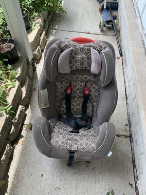 evenflo car seat for Sale in Dearborn Heights, MI