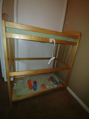 Baby changing table for Sale in Columbus, OH