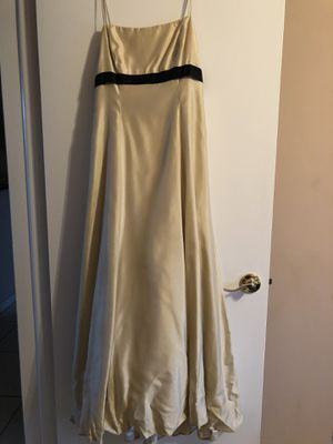 Vera wang gown for Sale in Miami, FL