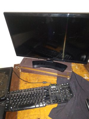 Desktop computer built from scratch with LG tv as monitor for Sale in Austin, TX