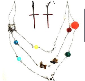 Tons of Star Wars necklaces, earrings, bags and miscellaneous magnets for Sale in Richardson, TX