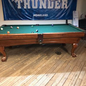 Nice Connelly Pool Table for Sale in Oklahoma City, OK