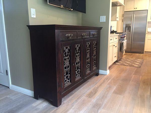 Elegant Sideboard Buffet