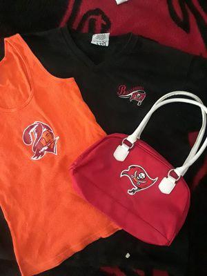 WOMEN'S TAMPA BAY BUCCANEERS FANS PACKAGE for Sale in Port Charlotte, FL