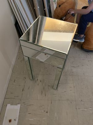 Mirrored night table for Sale in The Bronx, NY