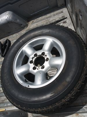 245/70R16 tire and rim for Sale in North Fort Myers, FL