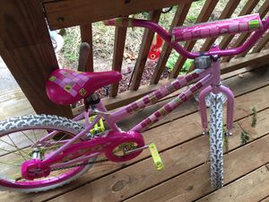 Girl pink bike for Sale in Colonial Heights, VA