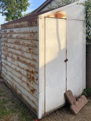Free metal shed for Sale in La Mirada, CA