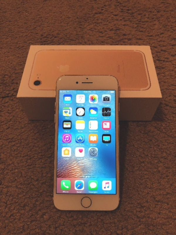 iPhone 7 128 gig unlocked mint condition