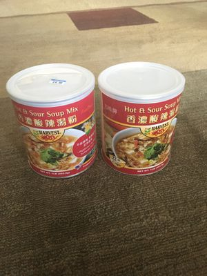 2 cans of Hot and sour soup for Sale in Morrisville, NC