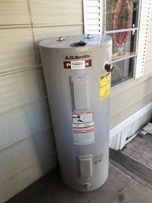 Electric water heater- boiler electrico (50 gal!) for Sale in Phoenix, AZ