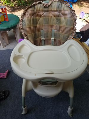 Free baby high chair PPU for Sale in Atlanta, GA