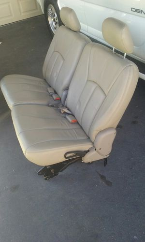 Leather seats 2003 town country for Sale in Lynwood, CA