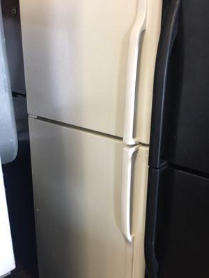 """GE Top Freezer Refrigerator 30"""" for Sale in Oakland Park, FL"""