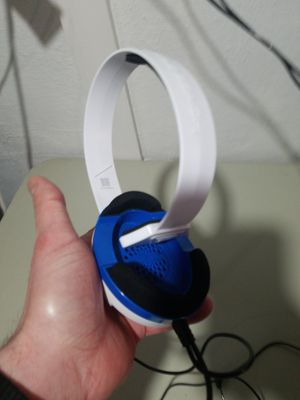 Turtle Beach Blue and White Headset for Sale in Sanatoga, PA