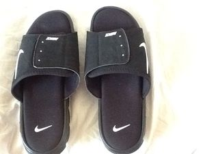 Nike sandals for Sale in Tampa, FL