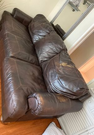 FREE Sofa, or best offer! for Sale in Lakewood, CA