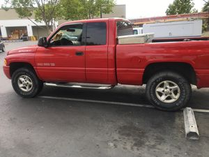 2000 DODGE RAM 4DR QUAD SPORT V8 5.9L NO BODY ISSUES LOOKS AND 4z4 lifted RUNS GREAT SOUNDS BEASTY for Sale in Hercules, CA
