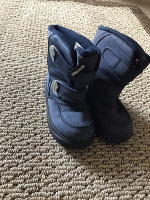$5 KIDS SNOW BOOTS SIZE (10) for Sale in Orange, CA