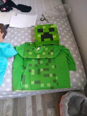 Roblox Kids Halloween Costume med for Sale in Fresno, CA