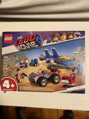 LEGO Movie 2 Emmet & Benny's 'Build and Fix' Workshop (70821) for Sale in Tampa, FL