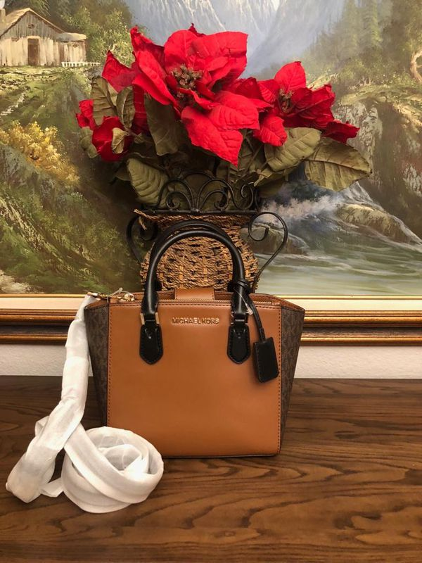 cdd5d1116bd4 Michael Kors Purse for Sale in Chino, CA - OfferUp